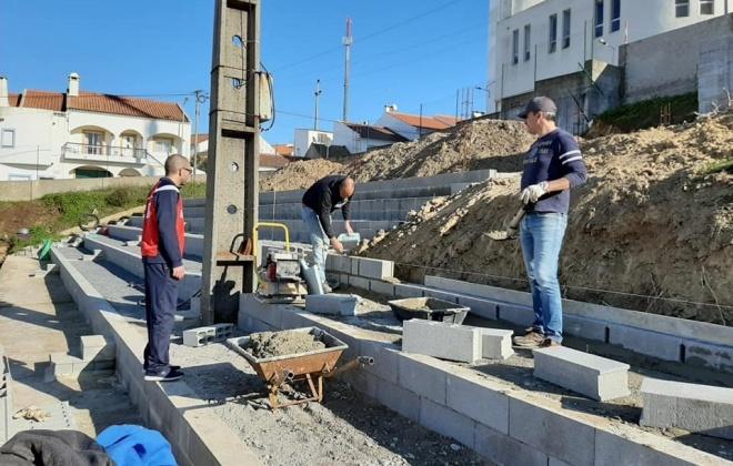 Campo de futebol do Cercal do Alentejo continua em obras