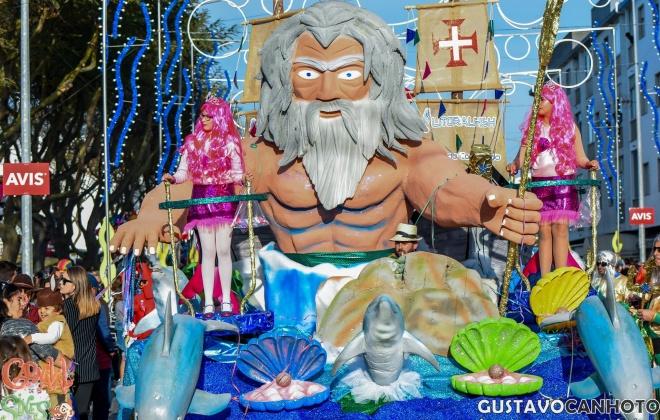 Sines convida a brincar ao Carnaval com dois mil foliões