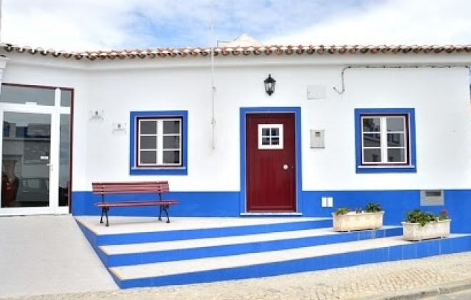 Freguesia de Porto Covo apoia idosos e suspende rendas e iniciativas