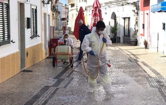 Município de Sines está a desinfetar as ruas da cidade