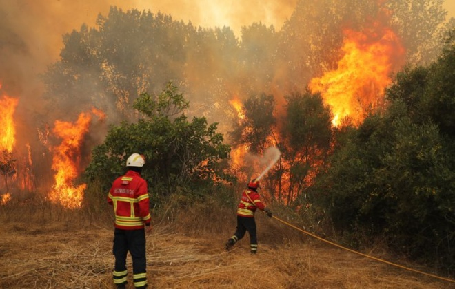 Meios de combate a incêndios reforçados a partir desta segunda-feira