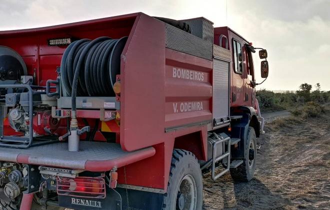 Bombeiros combateram incêndio em São Teotónio, Odemira