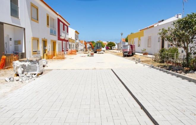 Obras  no Bairro Soeiro Pereira Gomes em Sines continuam a decorrer