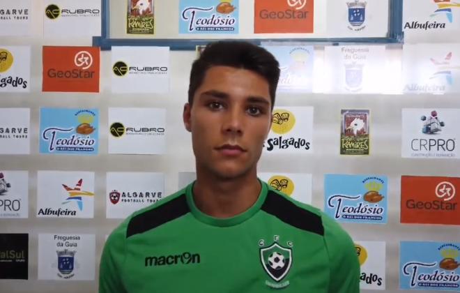 Siniense Duarte Santos assina contrato com o Guia Futebol Clube