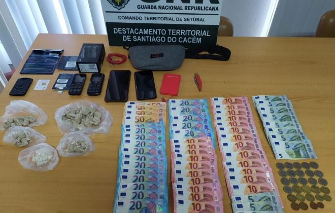 Dois homens foram detidos em Sines com 1 673 doses de droga