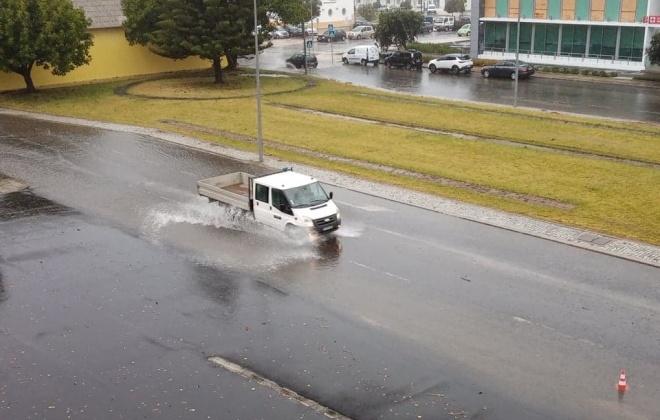 Chuva provoca inundações e queda de árvores em Sines e no Litoral Alentejano