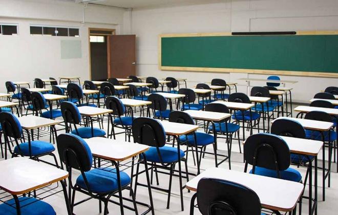 Funcionários das escolas suspendem greve marcada para 7 de dezembro