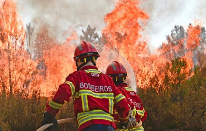 Dispositivo de combate a incêndios foi reforçado a partir de hoje
