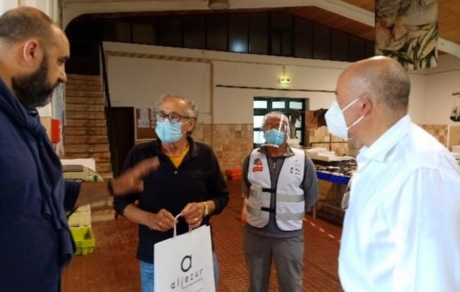 Aljezur distribui Kits de proteção a operadores dos mercados municipais