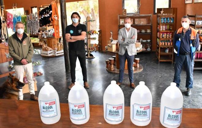 Autarquia de Santiago do Cacém e Black Pig voltam a distribuir álcool gel por instituições e entidades da região