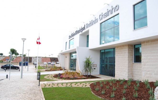 Município de Santiago do Cacém reabre serviços culturais