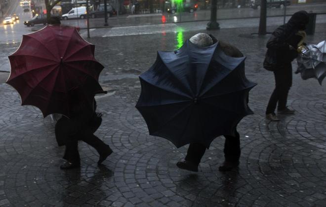Proteção civil alerta para inundações e cheias rápidas devido à chuva e vento forte