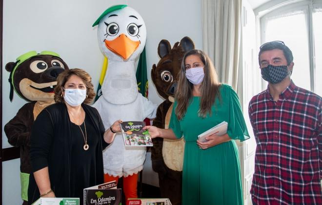 Projeto de promoção de alimentação saudável oferece livros de receitas a alunos do 1º ciclo de Odemira