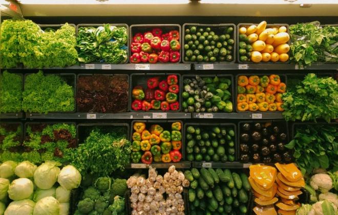 Covid-19: Supermercados e mercearias abertos até às 17:00 nos fins de semana