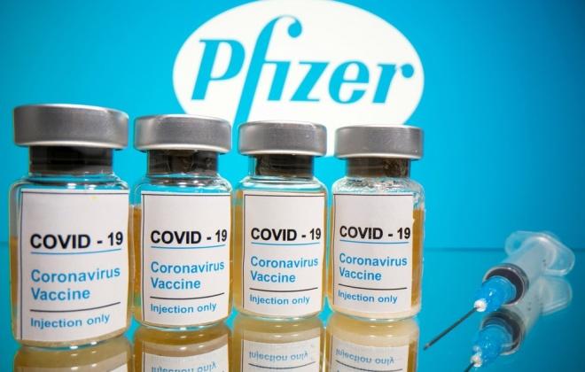 """Comissões de Utentes criticam vacinação a """"conta gotas"""""""